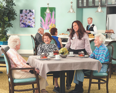 Reflections residents enjoy chef-prepared meals in a country club dining room setting at The Bristal